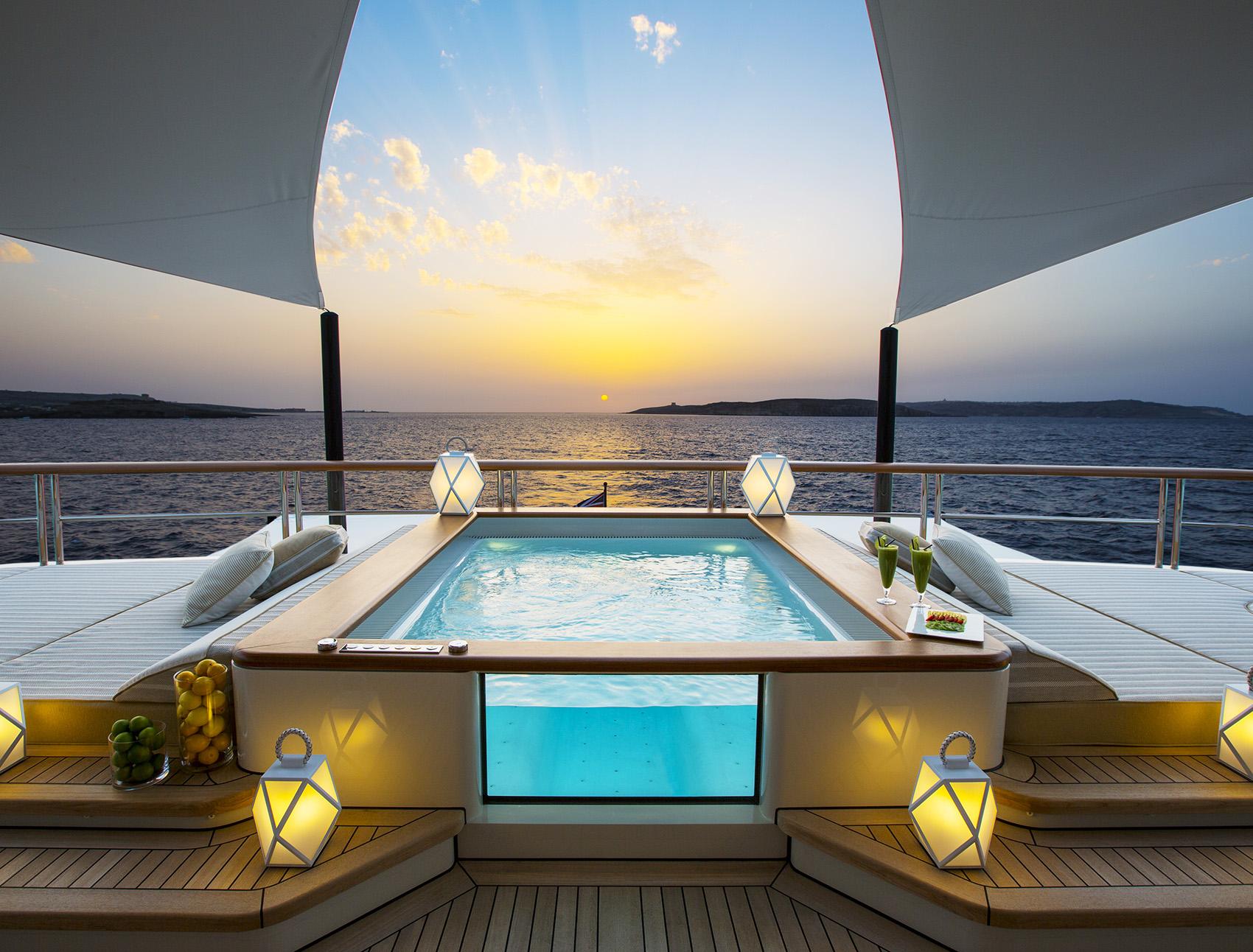 Copyright © www.Yacht-Shot.com